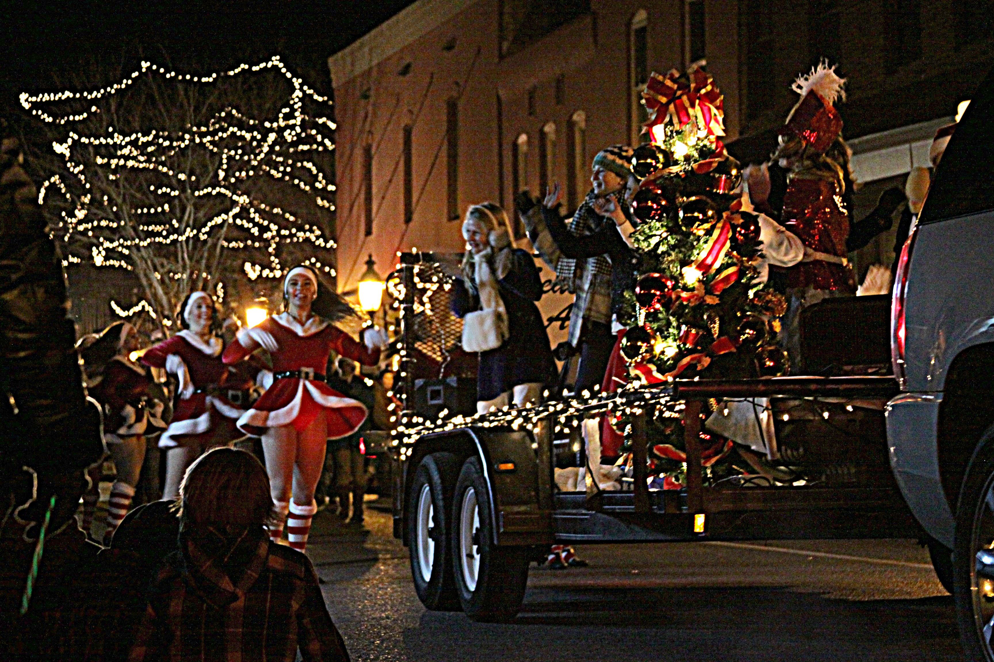 Berlin Md Hosts Annual Christmas Parade Tonight A