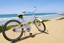 beach cruiser bike _75882037