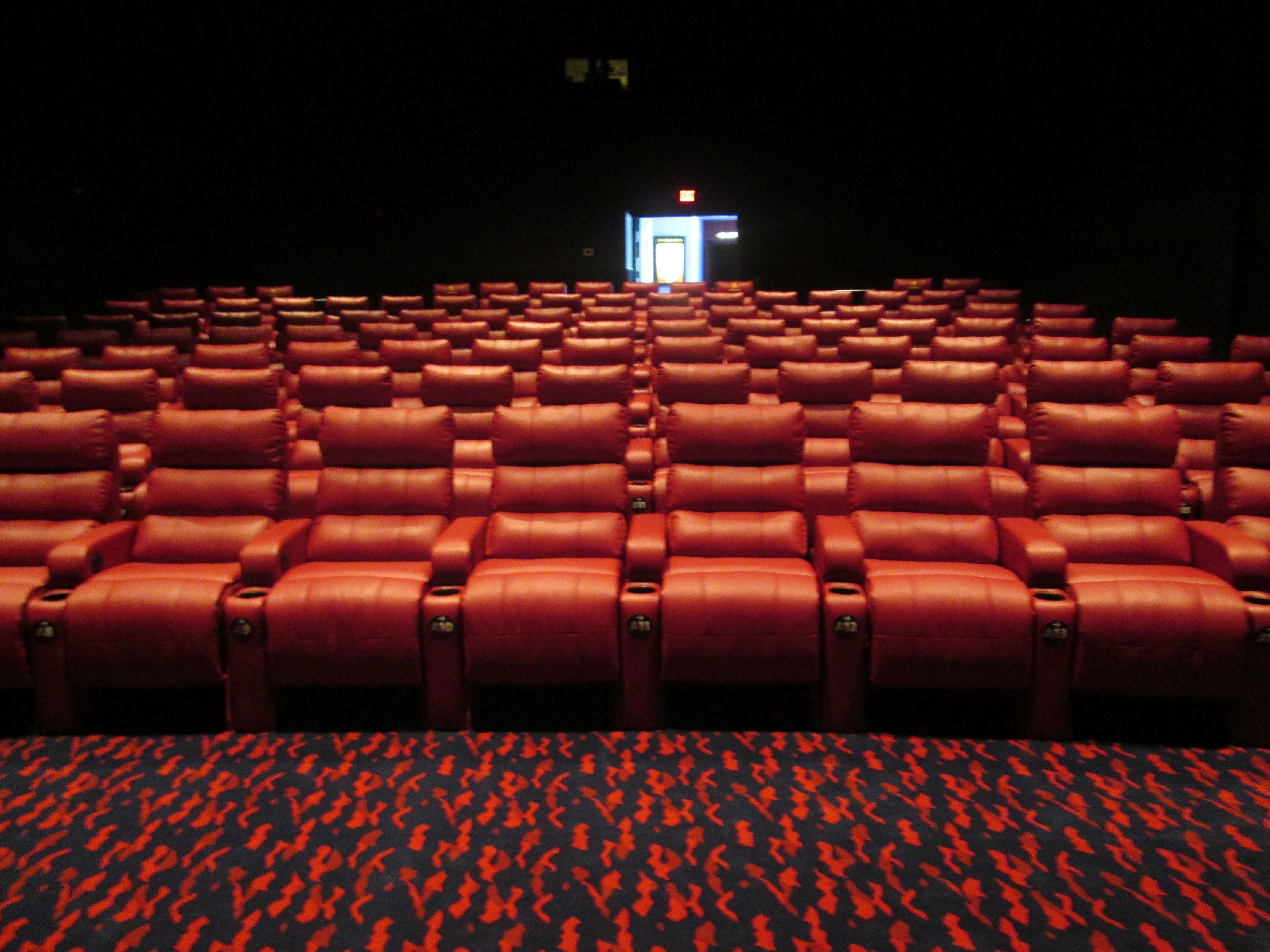 fox sun surf cinema debuts enhanced movie experience with