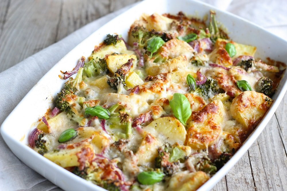 thanksgiving dish broccoli casserole