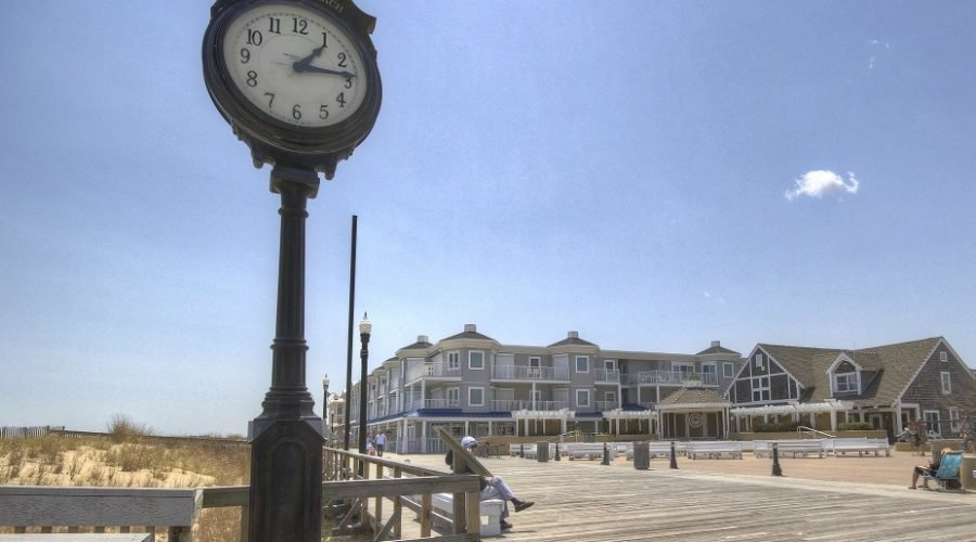 bethany beach band stand on boardwalk